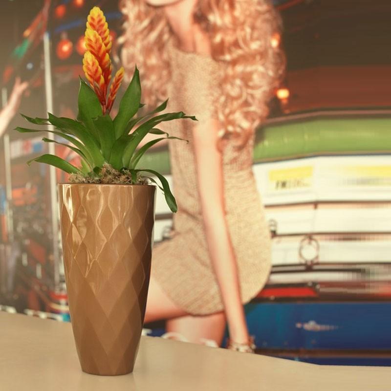 Vaza / Ghiveci de flori / plante / exterior / interior design modern premium VASES NANO PLANTER Ø18x36 47036F Vondom, Vaze /Ghivece decorative flori /plante, vase,suporturi si jardiniere de interior si exterior⭐modele moderne de lux cu design elegant✅ inalte sau de perete suspendate✅ potrivite pentru aranjamente florale naturale si plante artificiale din living,terasa,balcon,curte si gradina casei.❤️Promotii vaze de flori mari si ghivece ceramica de podea, vase de sticla si portelan, cristal, jardiniere din plastic, beton (ciment), suporti din fier forjat, lemn❗ Intra si vezi  ✚ poze ➽ www.evalight.ro. ➽ sursa ta de inspiratie online❗ Aici gasesti ghivece ornamentale rezistente la soare, pt plante de dimensiuni mari si mici, flori curgatoare si aranjarea in cascada a plantelor, cu sistem inteligent de auto-udare (autoirigare) pentru tuia, orhidee, trandafiri japonezi, produse de calitate superioara cu stil original premium, stil actual la moda in 2020❗ Ideale pt amenajari sali de mese festive (nunti, botezuri), restaurant, bar, terasa, hotel, mobila showroom, casa scarii, pt amenajari, intra ➽vezi oferte si reduceri cu vanzare rapida din stoc, ieftine si de calitate deosebita la cel mai bun pret. a