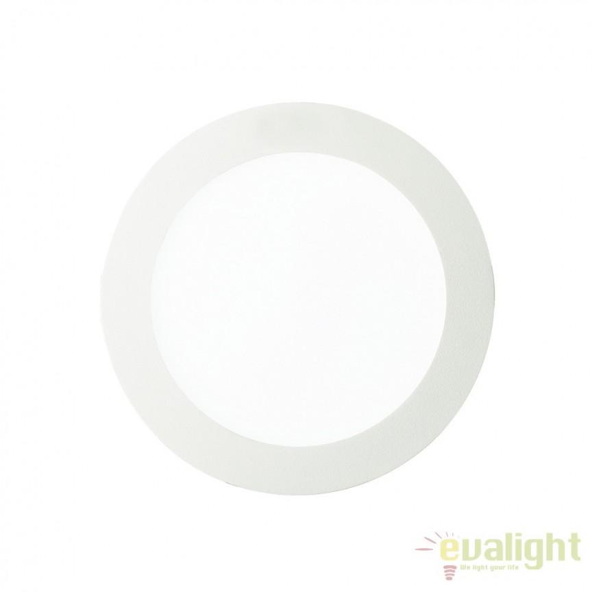Spot incastrabil pt. tavan fals cu LED integrat GROOVE FI1 20W ROUND 123998, Spoturi LED incastrate, aplicate, Corpuri de iluminat, lustre, aplice, veioze, lampadare, plafoniere. Mobilier si decoratiuni, oglinzi, scaune, fotolii. Oferte speciale iluminat interior si exterior. Livram in toata tara.  a