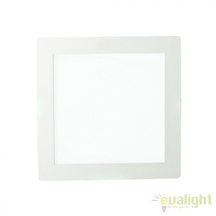 Spot incastrabil pt. tavan fals cu LED integrat GROOVE FI1 20W SQUARE 124001, Spoturi LED incastrate, aplicate, Corpuri de iluminat, lustre, aplice, veioze, lampadare, plafoniere. Mobilier si decoratiuni, oglinzi, scaune, fotolii. Oferte speciale iluminat interior si exterior. Livram in toata tara.  a