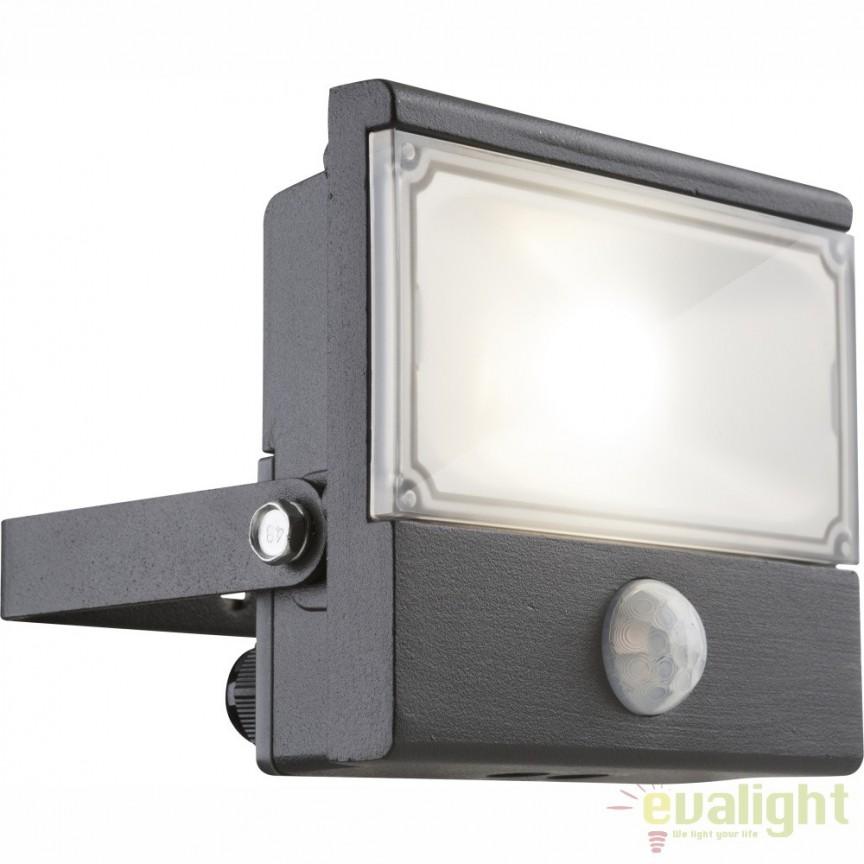 Proiector de iluminat exterior LED pivotant cu protectie IP44 si senzor de miscare RADIATOR III 34231S GL, Proiectoare de iluminat exterior , Corpuri de iluminat, lustre, aplice, veioze, lampadare, plafoniere. Mobilier si decoratiuni, oglinzi, scaune, fotolii. Oferte speciale iluminat interior si exterior. Livram in toata tara.  a