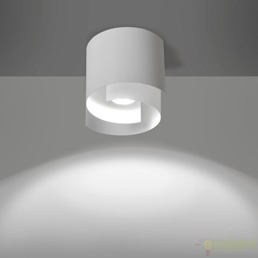 Spot aplicabil modern STYLE I alba 925/1 EMB, Spoturi incastrate, aplicate - tavan / perete, Corpuri de iluminat, lustre, aplice, veioze, lampadare, plafoniere. Mobilier si decoratiuni, oglinzi, scaune, fotolii. Oferte speciale iluminat interior si exterior. Livram in toata tara.  a