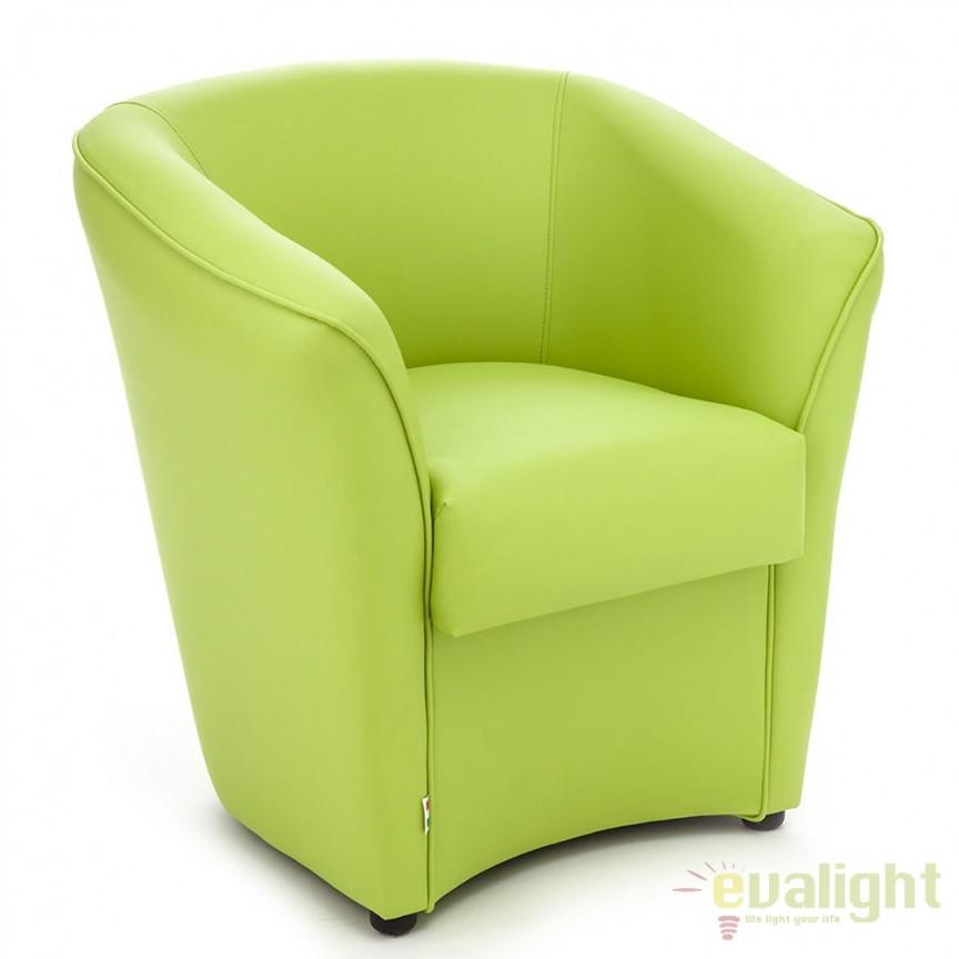 Fotoliu modern, confortabil cu tapiterie din piele sintetica VANESSA GREEN 1105 FTP, Fotolii - Fotolii extensibile, Corpuri de iluminat, lustre, aplice, veioze, lampadare, plafoniere. Mobilier si decoratiuni, oglinzi, scaune, fotolii. Oferte speciale iluminat interior si exterior. Livram in toata tara.  a