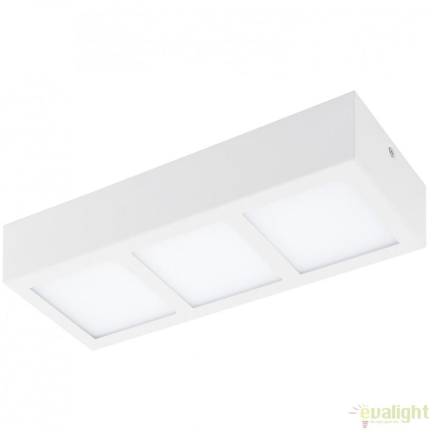 Plafoniera cu 3 spoturi LED, finsaj alb, 31,5x11,5cm, COLEGIO 95202 EL, Plafoniere LED, Spoturi LED, Corpuri de iluminat, lustre, aplice, veioze, lampadare, plafoniere. Mobilier si decoratiuni, oglinzi, scaune, fotolii. Oferte speciale iluminat interior si exterior. Livram in toata tara.  a