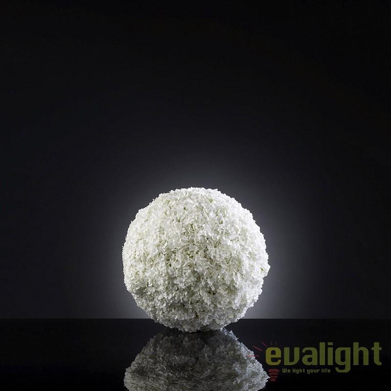 Aranjament floral elegant in forma de sfera, SNOWBALL MELANGE 1141044.95, Aranjamente florale LUX, Corpuri de iluminat, lustre, aplice, veioze, lampadare, plafoniere. Mobilier si decoratiuni, oglinzi, scaune, fotolii. Oferte speciale iluminat interior si exterior. Livram in toata tara.  a