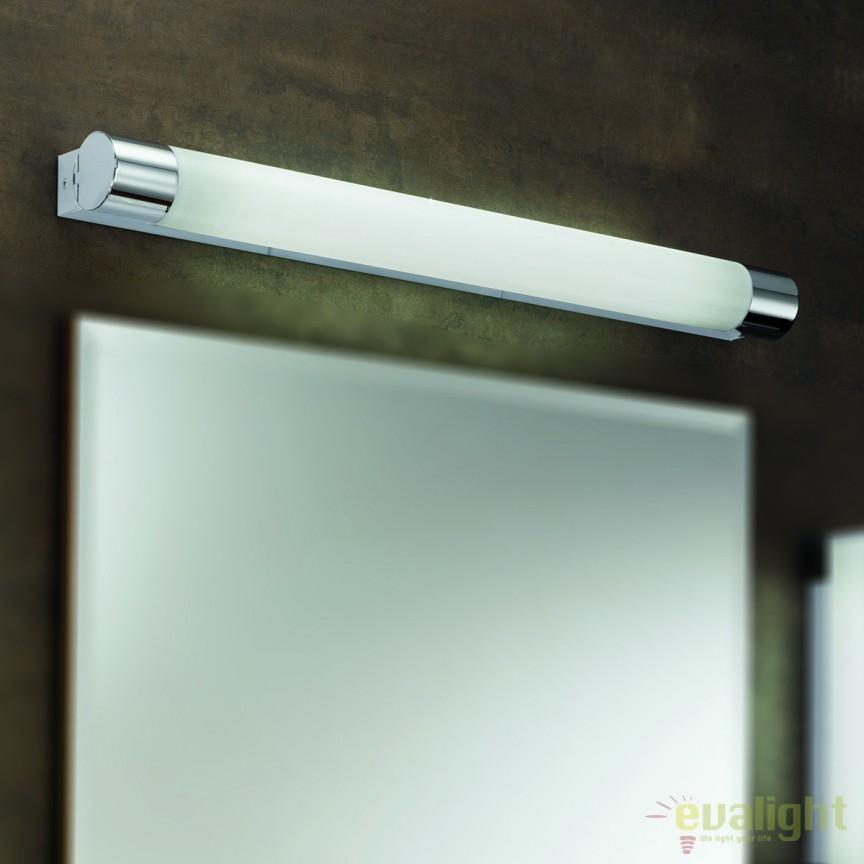 Aplica de perete pentru baie IP44 cu priza incorporata Laro Soff 3-468/1 chrom OR, Aplice pentru baie, oglinda, tablou, Corpuri de iluminat, lustre, aplice, veioze, lampadare, plafoniere. Mobilier si decoratiuni, oglinzi, scaune, fotolii. Oferte speciale iluminat interior si exterior. Livram in toata tara.  a