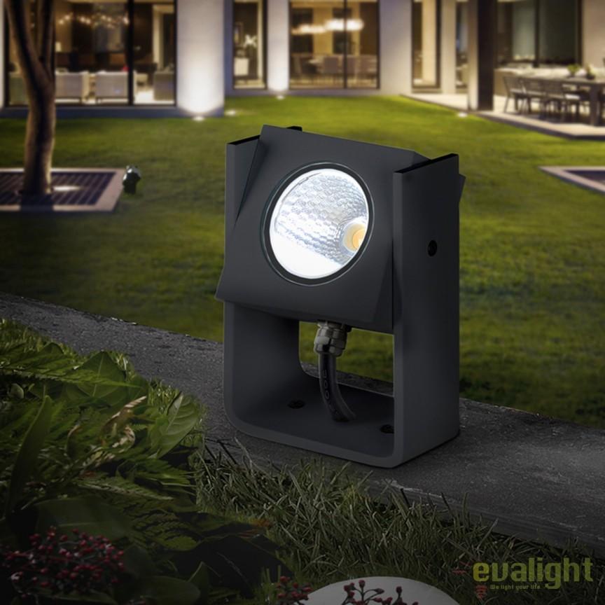 Tarus LED cu proiector iluminat exterior IP65 Gregal SV-429730, Proiectoare de exterior cu tarus, Corpuri de iluminat, lustre, aplice, veioze, lampadare, plafoniere. Mobilier si decoratiuni, oglinzi, scaune, fotolii. Oferte speciale iluminat interior si exterior. Livram in toata tara.  a