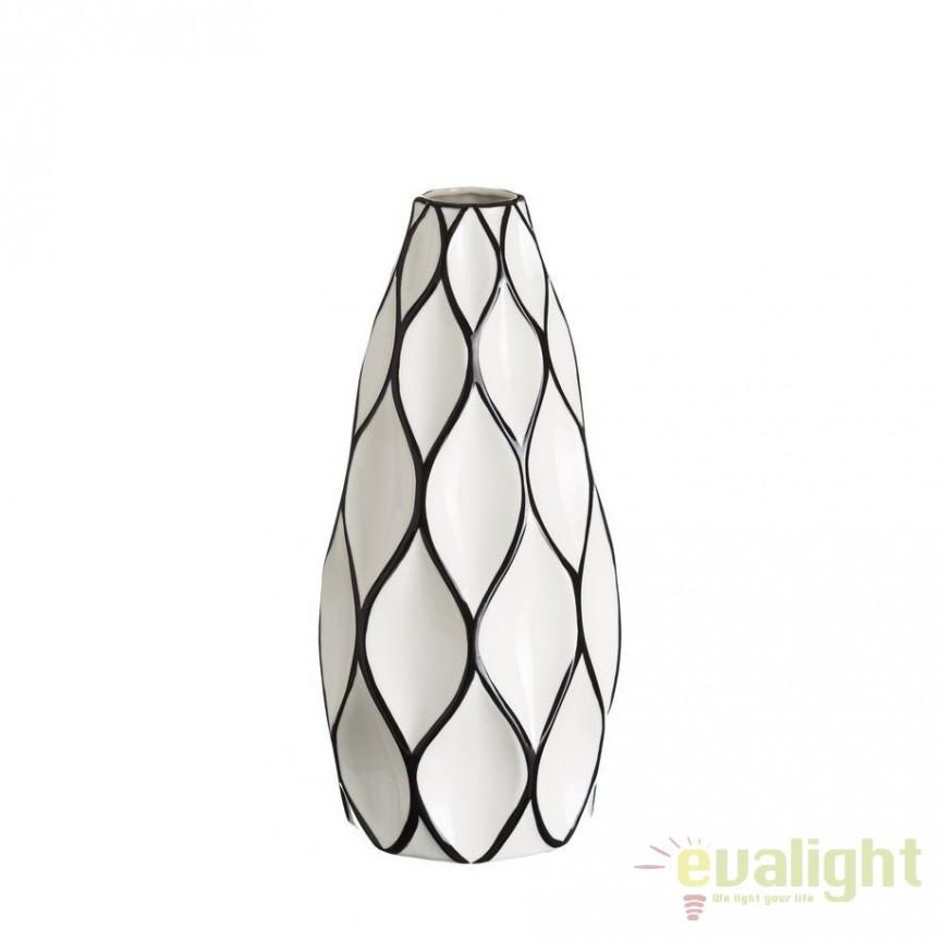Vaza din ceramica Romb 39cm alb/ negru DZ-102859, Vaze, Ghivece decorative, Corpuri de iluminat, lustre, aplice, veioze, lampadare, plafoniere. Mobilier si decoratiuni, oglinzi, scaune, fotolii. Oferte speciale iluminat interior si exterior. Livram in toata tara.  a