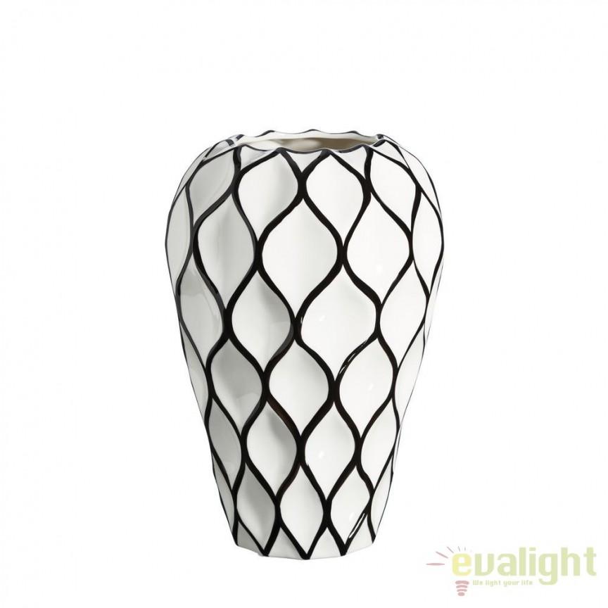 Vaza din ceramica Romb 34cm alb/ negru DZ-102858, Vaze, Ghivece decorative, Corpuri de iluminat, lustre, aplice, veioze, lampadare, plafoniere. Mobilier si decoratiuni, oglinzi, scaune, fotolii. Oferte speciale iluminat interior si exterior. Livram in toata tara.  a