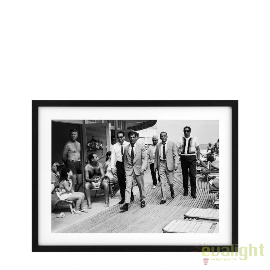 Tablou design LUX Frank Sinatra - Miami Beach 1968 112199 HZ, Tablouri decorative, Corpuri de iluminat, lustre, aplice, veioze, lampadare, plafoniere. Mobilier si decoratiuni, oglinzi, scaune, fotolii. Oferte speciale iluminat interior si exterior. Livram in toata tara.  a