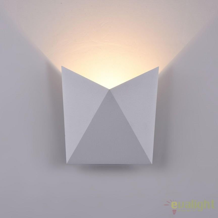 Aplica de exterior cu protectie IP54, LED Beekman alb MYO802WL-L7W , Magazin, Corpuri de iluminat, lustre, aplice, veioze, lampadare, plafoniere. Mobilier si decoratiuni, oglinzi, scaune, fotolii. Oferte speciale iluminat interior si exterior. Livram in toata tara.  a