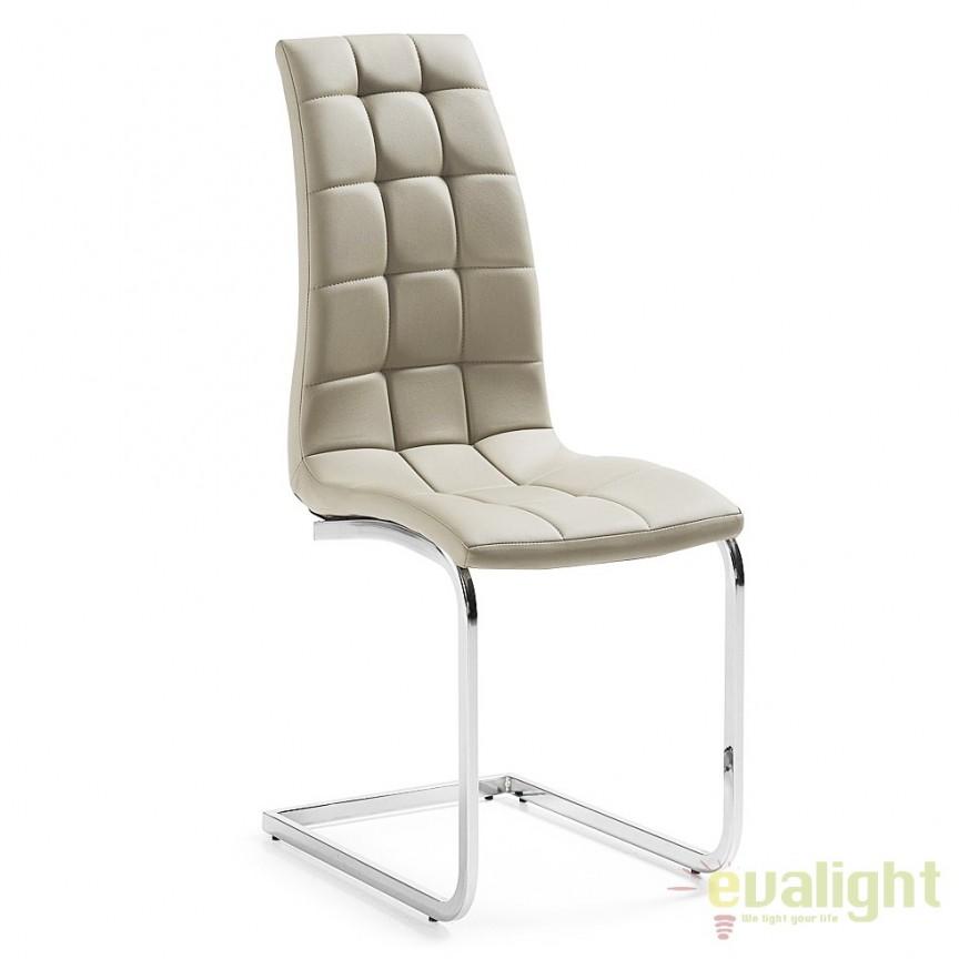 Set de 4 scaune elegante cu picioare cromate, tapiterie din piele sintetica, WALKER perla C483U38 JG, Outlet, Corpuri de iluminat, lustre, aplice, veioze, lampadare, plafoniere. Mobilier si decoratiuni, oglinzi, scaune, fotolii. Oferte speciale iluminat interior si exterior. Livram in toata tara.  a