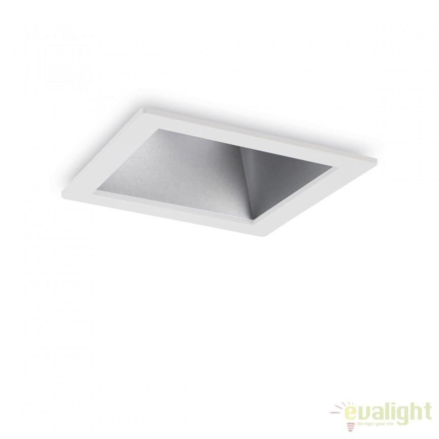 Spot LED incastrabil design modern GAME FI1 SQUARE alb / argintiu 192369, Spoturi LED incastrate, aplicate, Corpuri de iluminat, lustre, aplice, veioze, lampadare, plafoniere. Mobilier si decoratiuni, oglinzi, scaune, fotolii. Oferte speciale iluminat interior si exterior. Livram in toata tara.  a