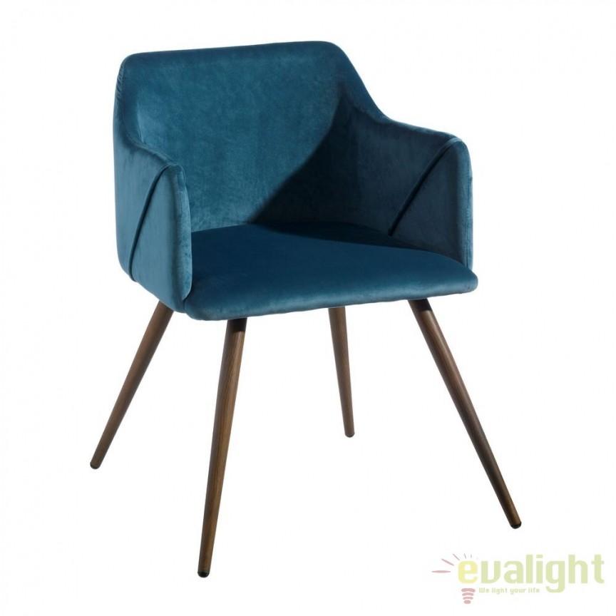 Set de 2 scaune cu brate, tapiterie din catifea, Arnulfe, albastru SX-103771, Seturi scaune dining, scaune HoReCa, Corpuri de iluminat, lustre, aplice, veioze, lampadare, plafoniere. Mobilier si decoratiuni, oglinzi, scaune, fotolii. Oferte speciale iluminat interior si exterior. Livram in toata tara.  a