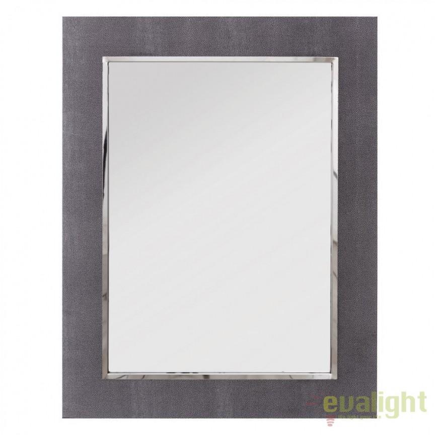 Oglinda eleganta cu rama invelita in piele sintetica DAKARI 70x90cm, Argintiu/ Gri SX-103904, Oglinzi decorative, Corpuri de iluminat, lustre, aplice, veioze, lampadare, plafoniere. Mobilier si decoratiuni, oglinzi, scaune, fotolii. Oferte speciale iluminat interior si exterior. Livram in toata tara.  a