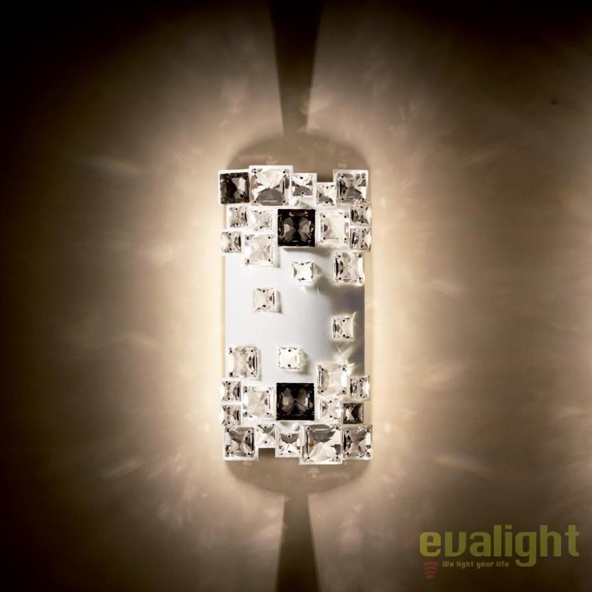 Aplica design LUX cristal Swarovski Mosaix SMX615, alb A9950NR700282, Aplice Cristal Swarovski, Corpuri de iluminat, lustre, aplice, veioze, lampadare, plafoniere. Mobilier si decoratiuni, oglinzi, scaune, fotolii. Oferte speciale iluminat interior si exterior. Livram in toata tara.  a