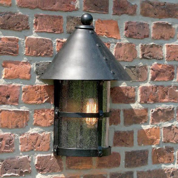 Aplica 1/2 iluminat exterior din fier forjat WL 3496, Aplice Exterior Fier Forjat, Corpuri de iluminat, lustre, aplice, veioze, lampadare, plafoniere. Mobilier si decoratiuni, oglinzi, scaune, fotolii. Oferte speciale iluminat interior si exterior. Livram in toata tara.  a