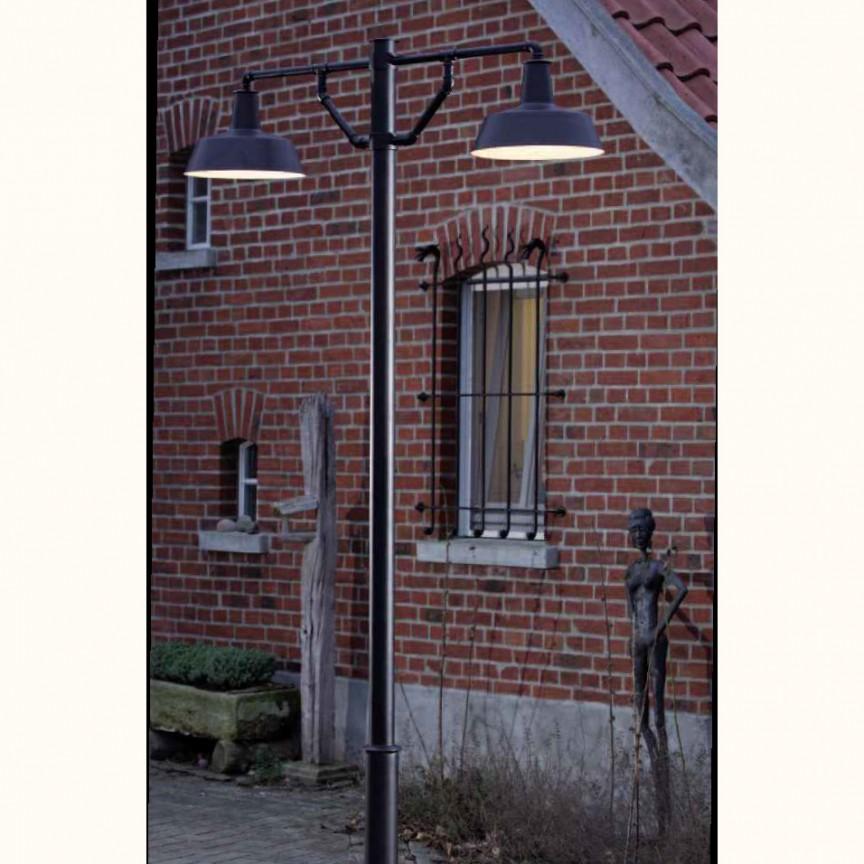 Stalp iluminat exterior design industrial din fier forjat AL 6835, ILUMINAT FIER FORJAT DE LUX , Corpuri de iluminat, lustre, aplice, veioze, lampadare, plafoniere. Mobilier si decoratiuni, oglinzi, scaune, fotolii. Oferte speciale iluminat interior si exterior. Livram in toata tara.  a