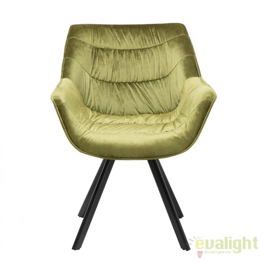 Set de 2 scaune cu design ergonomic ideale pentru sufragerii, sali de conferinta sau birouri, Dutch Comfort catifea verde A-38599 VC, Seturi scaune dining, scaune HoReCa, Corpuri de iluminat, lustre, aplice, veioze, lampadare, plafoniere. Mobilier si decoratiuni, oglinzi, scaune, fotolii. Oferte speciale iluminat interior si exterior. Livram in toata tara.  a