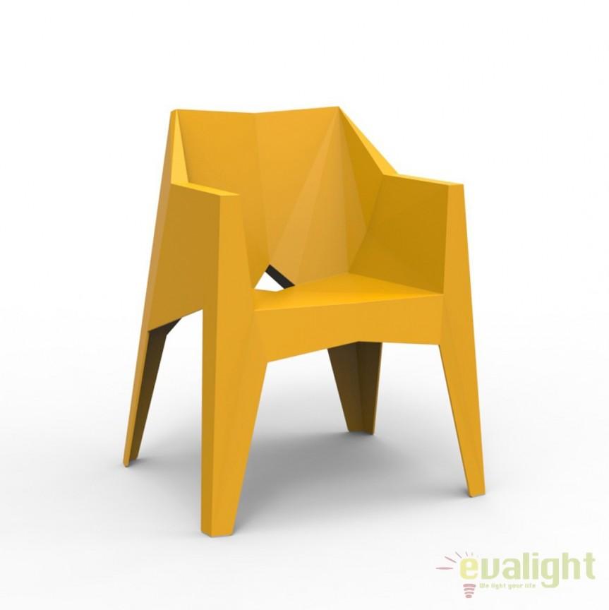Fotoliu-scaun ultra-modern VOXEL, Mobilier terasa si gradina, Corpuri de iluminat, lustre, aplice, veioze, lampadare, plafoniere. Mobilier si decoratiuni, oglinzi, scaune, fotolii. Oferte speciale iluminat interior si exterior. Livram in toata tara.  a