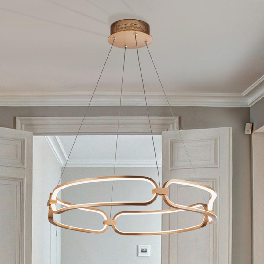 Lustra LED design ultra-modern Ø60cm Colette auriu roze, Promotii si Reduceri⭐ Oferte ✅Corpuri de iluminat ✅Lustre ✅Mobila ✅Decoratiuni de interior si exterior.⭕Pret redus online➜Lichidari de stoc❗ Magazin ➽ www.evalight.ro. a
