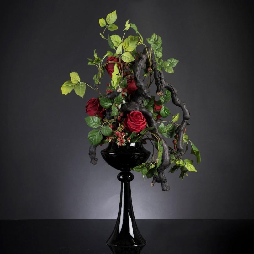 Aranjament floral elegant, design LUX ERACLE SCULPTURE , Aranjamente florale LUX, Corpuri de iluminat, lustre, aplice, veioze, lampadare, plafoniere. Mobilier si decoratiuni, oglinzi, scaune, fotolii. Oferte speciale iluminat interior si exterior. Livram in toata tara.  a