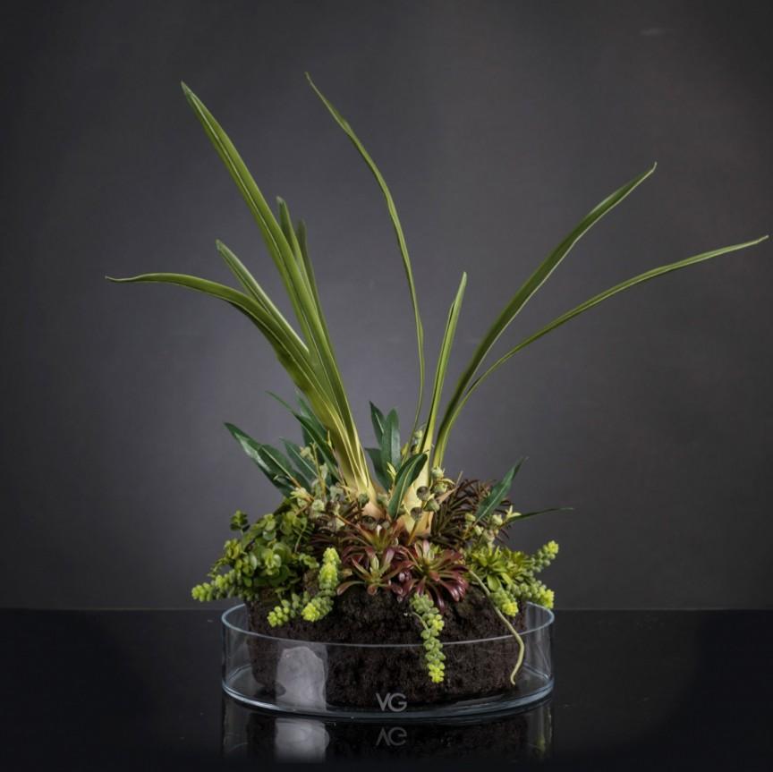Aranjament floral elegant, design LUX CYMBIDIUM PLANT, Aranjamente florale LUX, Corpuri de iluminat, lustre, aplice, veioze, lampadare, plafoniere. Mobilier si decoratiuni, oglinzi, scaune, fotolii. Oferte speciale iluminat interior si exterior. Livram in toata tara.  a