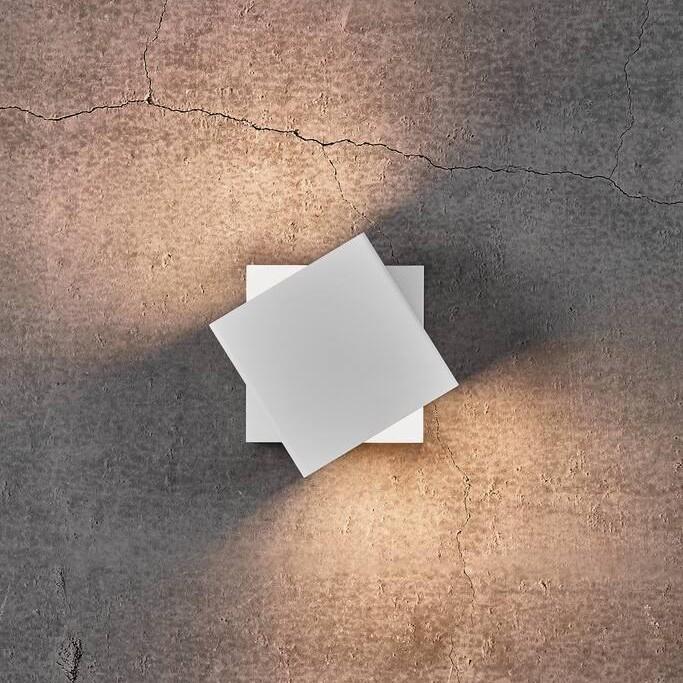 Aplica LED directionabila cu protectie IP54 Turn alb 2019061001 NL, Aplice pentru baie / oglinda / tablou, LED⭐ modele moderne rezistente la apa potrivite in baie. ✅Design premium actual Top 2020! ❤️Promotii lampi❗ ➽ www.evalight.ro. Alege oferte la corpuri de iluminat interior pt perete baie si tavan (plafon) cu protectie la umiditate, ieftine sau de lux, calitate deosebita la cel mai bun pret! a