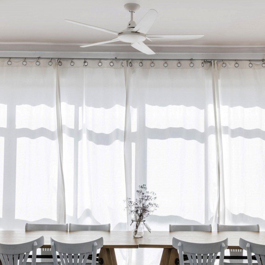 Ventilator de tavan cu telecomanda design modern MENO alb, Rezultate cautare, Corpuri de iluminat, lustre, aplice, veioze, lampadare, plafoniere. Mobilier si decoratiuni, oglinzi, scaune, fotolii. Oferte speciale iluminat interior si exterior. Livram in toata tara.  a