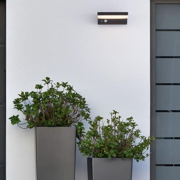 Aplica LED solara de exterior cu senzor miscare IP65 DYN , Iluminat cu senzor de miscare, LED⭐modele stil decorativ potrivite pentru iluminat exterior casa, gradina, terasa si stradal.✅Design premium actual Top 2020!❤️Promotii Lampi cu senzor de miscare❗ ➽ www.evalight.ro. Alege oferte la corpuri de iluminat exterior ornamentale cu lumina ambientala,clasice, rustice, traditionale, moderne (solare cu panou solar, senzori de miscare, becuri economice si lampi LED), tip aplica de perete, plafoniera de tavan, proiector cu reflector, spot, stalp si felinare, ieftine si de lux, calitate la cel mai bun pret. a