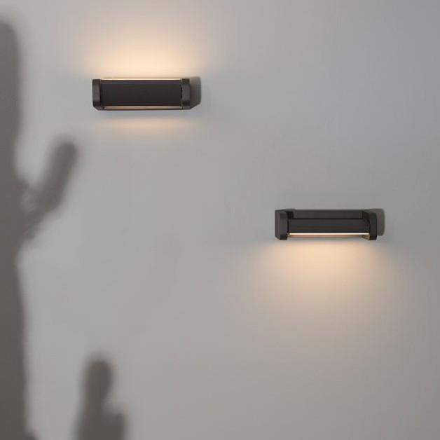 Aplica LED ambientala orientabila pentru iluminat exterior IP54 VOLVER, Aplice de exterior moderne , LED⭐modele de lampi potrivite pentru iluminare perete casa, terasa, curte si gradina.✅Design premium actual Top 2020!❤️Promotii Aplice de perete exterior❗ ➽ www.evalight.ro. Alege oferte la corpuri de iluminat decorative rezistente la apa, cu lumina ambientala, (solare cu panou solar si senzori de miscare, becuri economice cu LED), ieftine si de lux, calitate deosebita la cel mai bun pret. a