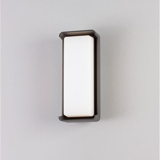 Aplica LED moderna pentru iluminat exterior IP65 KEEN, Aplice de exterior moderne , LED⭐modele de lampi potrivite pentru iluminare perete casa, terasa, curte si gradina.✅Design premium actual Top 2020!❤️Promotii Aplice de perete exterior❗ ➽ www.evalight.ro. Alege oferte la corpuri de iluminat decorative rezistente la apa, cu lumina ambientala, (solare cu panou solar si senzori de miscare, becuri economice cu LED), ieftine si de lux, calitate deosebita la cel mai bun pret. a