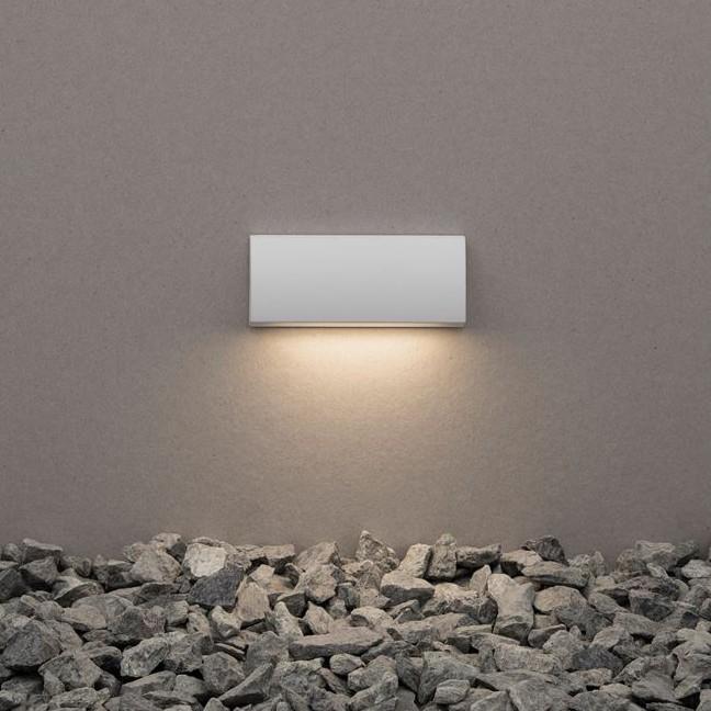 Mini Aplica LED ambientala pentru iluminat exterior IP54 LIV alba, Aplice de exterior moderne , LED⭐modele de lampi potrivite pentru iluminare perete casa, terasa, curte si gradina.✅Design premium actual Top 2020!❤️Promotii Aplice de perete exterior❗ ➽ www.evalight.ro. Alege oferte la corpuri de iluminat decorative rezistente la apa, cu lumina ambientala, (solare cu panou solar si senzori de miscare, becuri economice cu LED), ieftine si de lux, calitate deosebita la cel mai bun pret. a