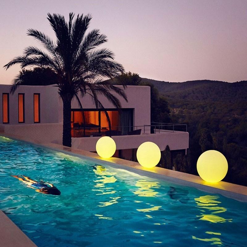 CORP DE ILUMINAT LED DECORATIV EXTERIOR BUBBLES Ø40cm, ILUMINAT EXTERIOR, ⭐modele stil decorativ potrivite pentru iluminare casa, gradina, terasa si stradal.✅Design premium actual Top 2020!❤️Promotii Lampi de iluminat exterior❗ ➽ www.evalight.ro. Alege oferte la corpuri de iluminat exterior ornamentale, moderne (solare cu senzori de miscare si becuri economice cu LED), rustice, clasice si traditionale din fier forjat, lustre suspendate de tip pendule, aplice de perete, plafoniere de tavan, proiectoare, spoturi, stalpi si felinare, ieftine si de lux. Cumpara la comanda sau din stoc, oferte si reduceri speciale cu vanzare rapida din magazine la cele mai bune preturi. Te aşteptăm sa admiri calitatea superioara a produselor noastre live în showroom-urile noastre din Bucuresti si Timisoara❗ a