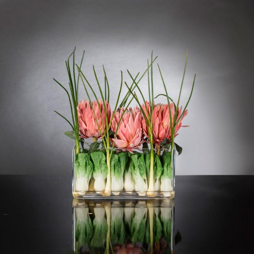 Aranjament floral decor festiv design LUX RECTANGULAR VASE PROTEA, Magazin,  a