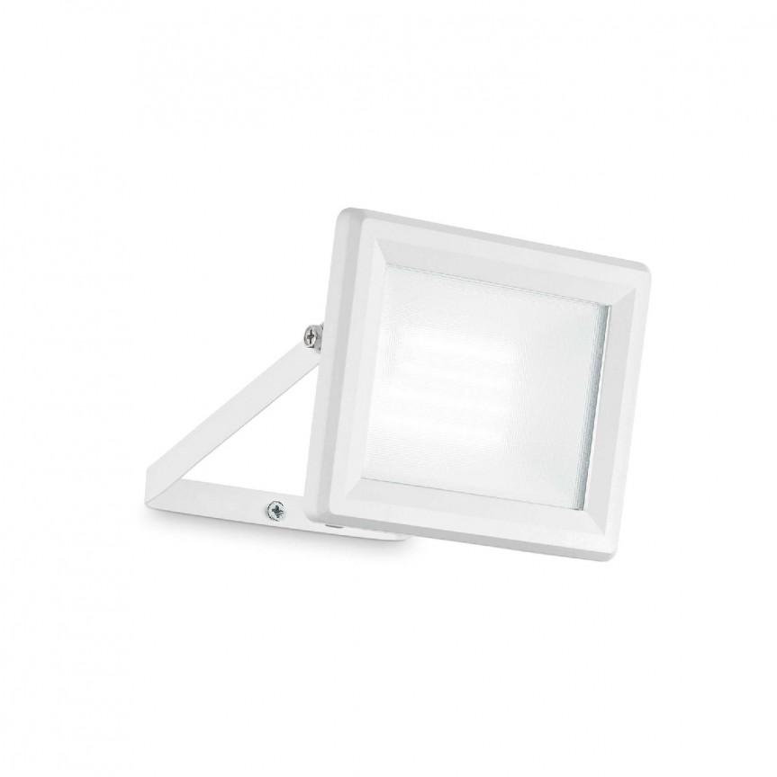 Proiector LED exterior IP65 FLOOD 20W WH, Proiectoare LED exterior⭐ iluminat arhitectural ambiental pentru fatade cladiri si casa.✅Design decorativ ornamental 2021!❤️Promotii lampi❗ Magazin➽www.evalight.ro. Alege oferte la corpuri de iluminat tip proiector cu reflector si senzor de miscare, sisteme de mare putere cu panou solar cu LED-uri, aplice, spoturi aplicate de perete sau tavan, stalpi si tarusi, profesionale de calitate la cel mai bun pret. a